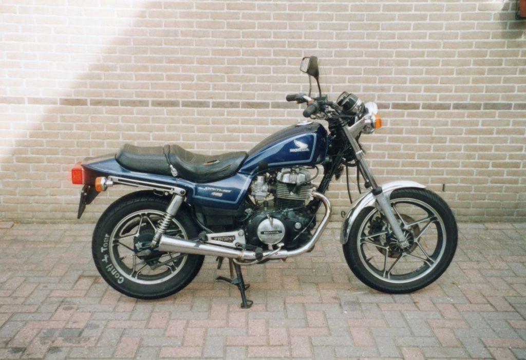 Honda CB450 Night Hawk